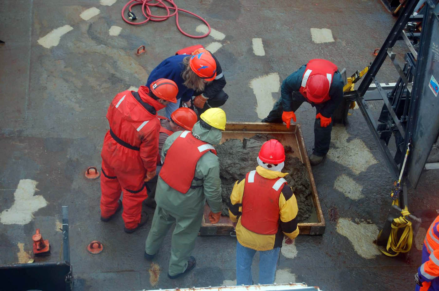 Sediment grab on the deck of CCGS Hudson. Photo Credit: Hilary Moors-Murphy
